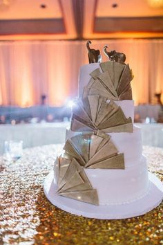 classy-wedding-at-the-sheraton-columbus-hotel-at-capitol-square-26-of-34-600x900