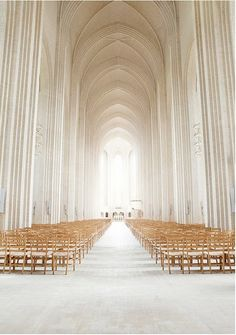 this looks like the white version of the Frauenkirche in Munich