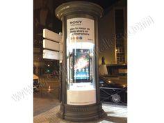 Mobiliario Urbano Espectacular   SP Integrales Publicidad impactante de Sony en columna publicitaria