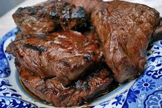 This four ingredient Grilled Steak Marinade is packed with classic BBQ flavor. A wonderful choice for summer grilling parties. Grilled Steak Recipes, Marinated Steak, Grilled Meat, Steak Marinade For Grilling, How To Grill Steak, Steak Marinades, Summer Bbq, Summer Parties, Steak Tips