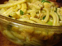 Salade de pâtes au poulet curry et à l'avocat