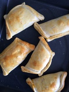 Empanadas Chilenas - 09 Chilean Recipes, Chilean Food, Empanadas Recipe, Mexican Food Recipes, Ethnic Recipes, Canapes, International Recipes, Lunches And Dinners, Entrees