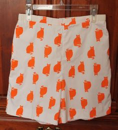 Vintage 70s The Vested Gentress White Orange Kitty Cat Shorts High Waist #TheVestedGentress #Vintage #Orange #NoveltyPrint #KittyCat #Kitty #Cat #CrazyCatLady #ILoveCats #Catstagram #Kitsch #Whimsical #Kitschy #VestedGentress #Shorts #GolfShorts #1970s #70sFashion