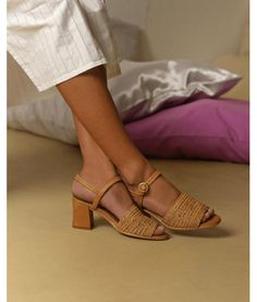 - My Mode Frauen Love - Sapatos Comfortable High Heels, High Heels For Prom, Mode Blog, Sock Shoes, Flat Shoes, Oxford Shoes, Mode Style, Strappy Heels, Summer Shoes