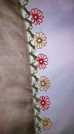 This Pin was discovered by HUZ Knitted Poncho, Knitted Shawls, Saree Painting Designs, Lacemaking, Needle Lace, Crewel Embroidery, Knitting Socks, Paint Designs, Tatting