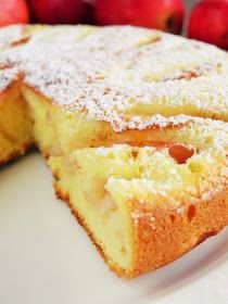 sio-smutki! Monika od kuchni: Biszkoptowa szarlotka z patelni Polish Desserts, Polish Recipes, Lime Cake, Holiday Desserts, Cornbread, Cake Recipes, Good Food, Food And Drink, Cooking Recipes