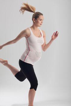 f6f324fd21a 12 Delightful Maternity Sportswear Tops Designed For Any Pregnancy ...