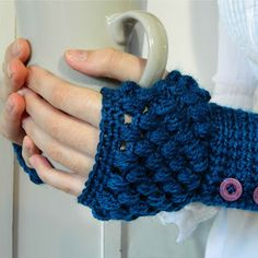 My Favourite Things: Perfect Solutions! ~ Puff Stitch Fingerless Gloves Pattern