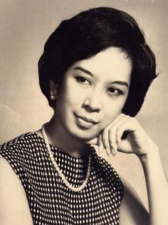 Carmen Guerrero-Nakpil, essayist and public servant, 1960s #kasaysayan #geni #HERstory Immediate Family, Essayist, Step Kids, Historian, Philippines, Famous People, 1960s, Public, Daughter