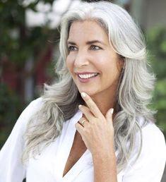 Classy Hairstyles, Older Women Hairstyles, Gray Hairstyles, Scene Hairstyles, Long Gray Hair, Silver Grey Hair, White Hair, Grey Hair Model, Silver Haired Beauties