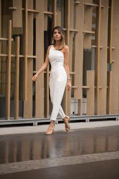 Macacão Anali - Imagem 4 White Fashion, Boho Fashion, Fashion Outfits, Womens Fashion, Fashion Design, Romper Outfit, Dress Outfits, Dresses, White Outfits
