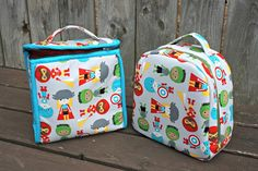 I am pleased to introduce you to the Peas and Corn Lunch Bags PDF (also now on paper!) sewing pattern! This pattern is now available in my pattern shop. Just in time for back-to-school! For my lunch bags, I have used Ann Kelle 'Super Kids' fabrics by Robert Kaufman. These are really adorable prints, available …