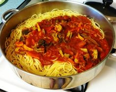 Spaghetti Monday never fails. Look forward to this day. Fails, Spaghetti, Cooking, Ethnic Recipes, Food, Cuisine, Kitchen, Meal, Eten