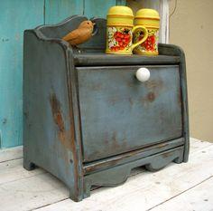 Bread Box  Shabby Kitchen  Cottage Chic  Your por honeystreasures, $120.00