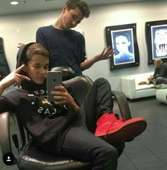 Just Hunter Rowland imagines hope you enjoy and don't forget to send me a message me if you want a request.