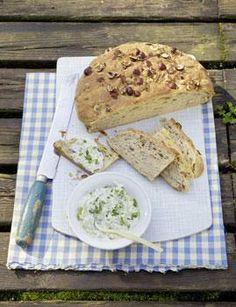 Kartoffel-Speck-Brot, Bagels und Oliven-Ciabatta schmecken pur zum Essen und auch belegt köstlich.