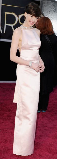 Anne Hathaway oscars 2013 red carpet dress