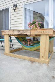 Little Bit Funky: another pallet project {outdoor table from pallets for about $40}