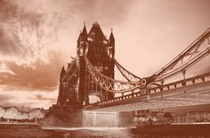 Tower Bridge (Old photo)