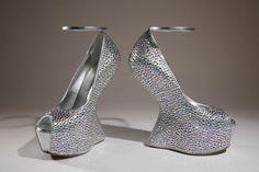 Giuseppe-Zanotti http://www.vogue.fr/mode/news-mode/diaporama/obsession-de-chaussures/12668/image/744040#!giuseppe-zanotti-2012