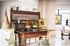 The ivy... tomato cage turned upside down with grapevine wreath or honeysuckley. Tour Designer Vicente Wolf's Gorgeous NYC Loft – One Kings Lane — Our Style Blog