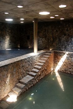 Studio Mumbai Architects - All For Garden Tropical Architecture, Stairs Architecture, Tadao Ando, Bunker Home, Studio Mumbai, Indoor Water Features, India House, Secret Rooms, Cool Pools