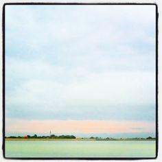 Wat is Nederland toch mooi! Dit is het uitzicht vanaf de Afsluitdijk kijkend naar Friesland. Meer Instagramfoto's? Volg me op www.instagram.com/heleenklop