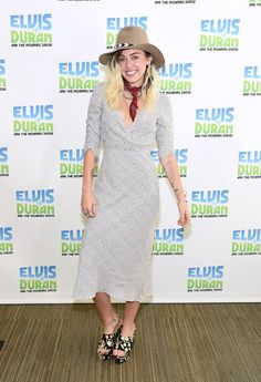 Miley Cyrus Photos Photos - Miley Cyrus Visits 'The Elvis Duran Z100 Morning Show' - Zimbio