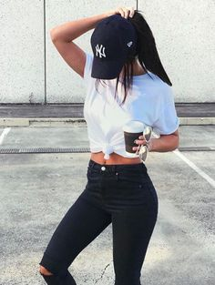 •Pinterest: @averyalyse17•