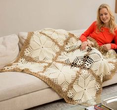 Royal Wedding Crochet Blanket   What an elegant free crochet afghan pattern! I feel so fancy when I curl up with it.