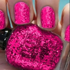 Pink Sparkly Nails <3