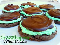 Six Sisters' Stuff: Grasshopper Mint Chocolate Cake Mix Cookies