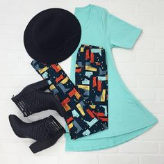 Perfect Tee leggings booties and a hat...everyone needs a uniform with pieces they can mix and match!! #lularoe #lularoeleggings #lularoeperfecttee
