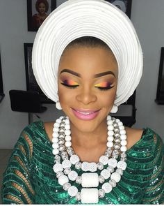 Enchanting party guest #asoebi #asoebispecial #speciallovers #makeup #wedding @tifaramakeovers