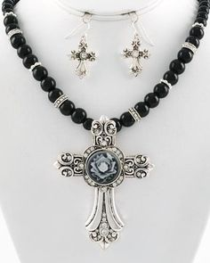 WESTERN COWGIRL FASHION SILVER CROSS BLACK PEARL JEWELRY CRYSTAL NECKLACE SETS    do-able