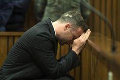 Bereits vor Gericht hatte Oscar Pistorius unter Tränen über die Mordnacht am Valentinstag 2013 gesprochen. Jetzt äußerte er sich erstmals in einem Interview zum Tathergang.