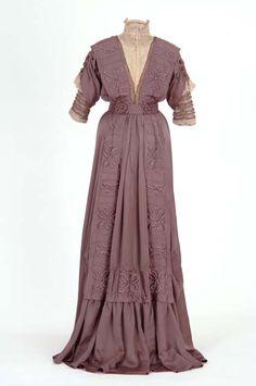 Dress ca. 1909  From the MINNESOTA HISTORICAL SOCIETY