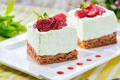 Retete Culinare - Prajitura cu menta si capsuni Vanilla Cake, Mousse, Cheesecake, Sweets, Healthy, Desserts, Food, Pies, Mascarpone
