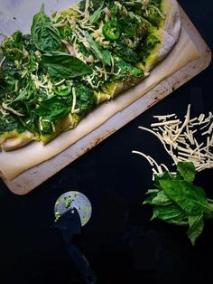 Vegan Pesto Pizza Verde | Whisk and Shout