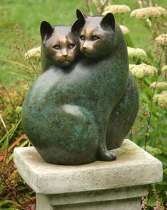 """Paired Cats"" - Bronze sculpture by Georgia Gerber"