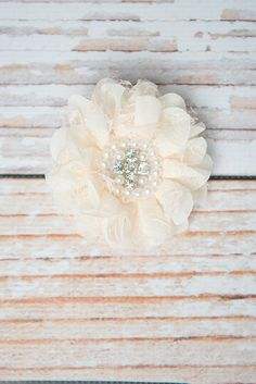 Lace Flower Clip for girls - La Bella Rose Boutique. Girls hairstyles, baby girl hair bow, hair clip for girls, flower girl hair, school picture day accessories.