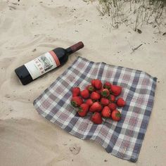 Image shared by Peaceminusone. Find images and videos about food, aesthetic and red on We Heart It - the app to get lost in what you love. Bora Lim, You Are My Moon, In Vino Veritas, Aesthetic Food, Korean Aesthetic, Summertime, Food And Drink, Simple, Healthy