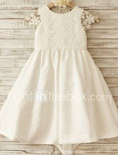 A-line Knee-length Flower Girl Dress - Cotton / Lace Short Sleeve Scoop with 2017 - $59.99