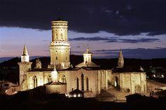 Tudela. 8 razones con fundamento para visitarla.  Catedral de Santa María (s. XII), joya artística de Tudela. Oficina de Turismo de Tudela.