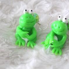 Boucles d'oreille petite grenouille en fimo et perle