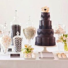black and white candy table brown and white, or oreos Lolly Buffet, Dessert Buffet, Dessert Bars, Dessert Tables, Cupcakes, Cupcake Cakes, Deco Table, A Table, Beautiful Cakes