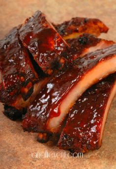 Slow Cooker Barbecue Ribs - the perfect weekday meal. Put them in the slow cooker in the morning and forget about them!