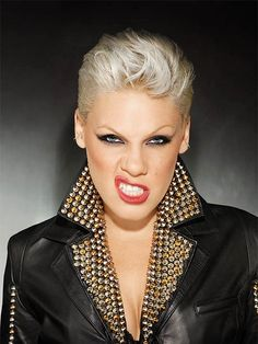 And why Pink net worth is so massive? Pink net worth is definitely at the very top level among other celebrities, yet why? Alecia Moore, Pink Photo, Pop Punk, Female Singers, Woman Crush, Role Models, Foto E Video, My Girl, Beautiful People