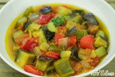 Comment préparer la ratatouille. Recette facile. Un plat d'origen niçoise à base de légumes qui réunit toutes les saveurs du potager du midi dans l'assiette