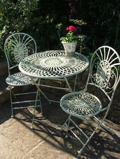 Choices in Outdoor Patio Furniture Sets – Outdoor Patio Decor Iron Patio Furniture, Garden Furniture, Outdoor Furniture, Furniture Ideas, Furniture Design, Outdoor Rooms, Outdoor Decor, Outdoor Dining, Aluminum Patio